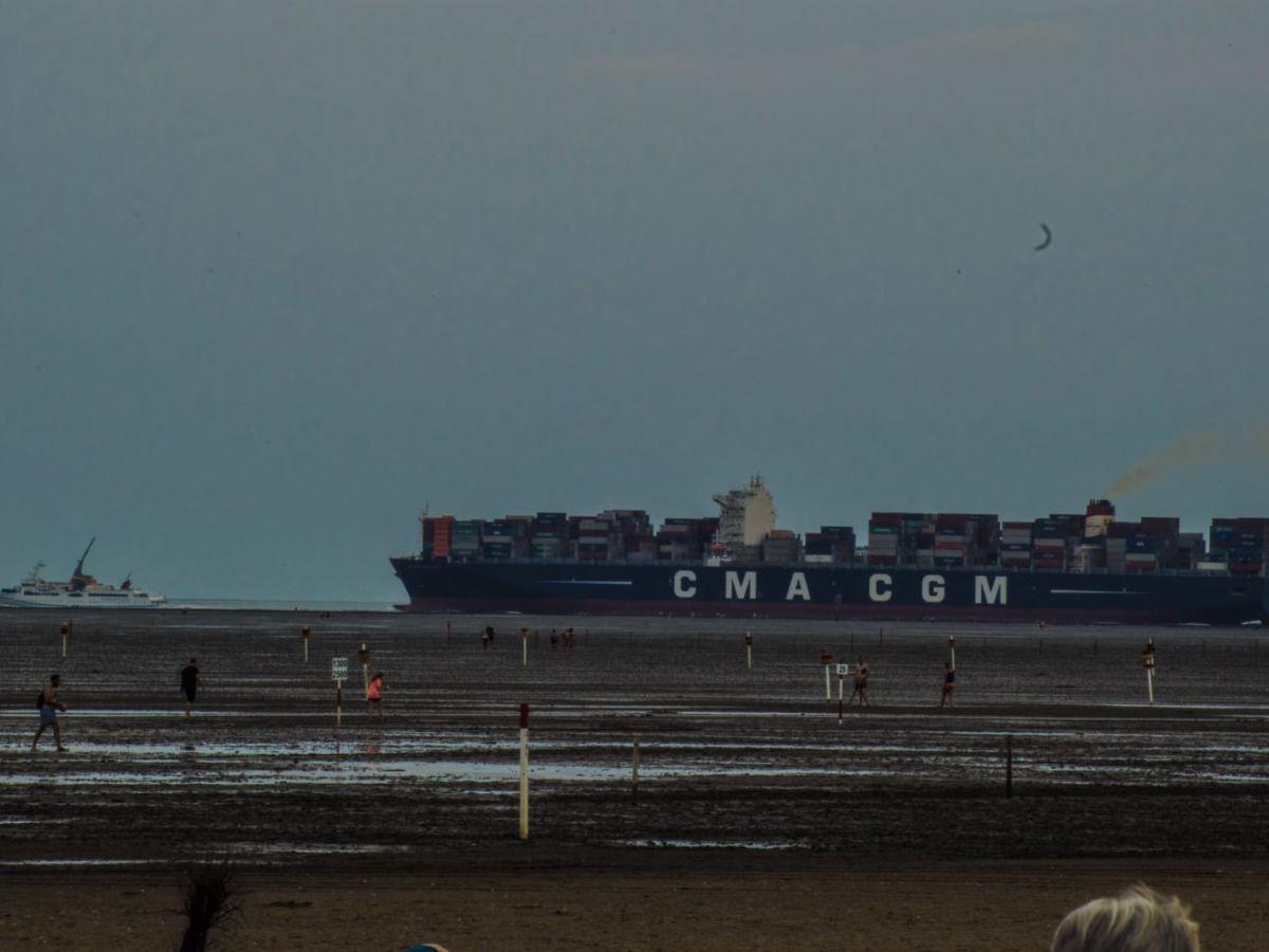 blick-auf-container-schiffe