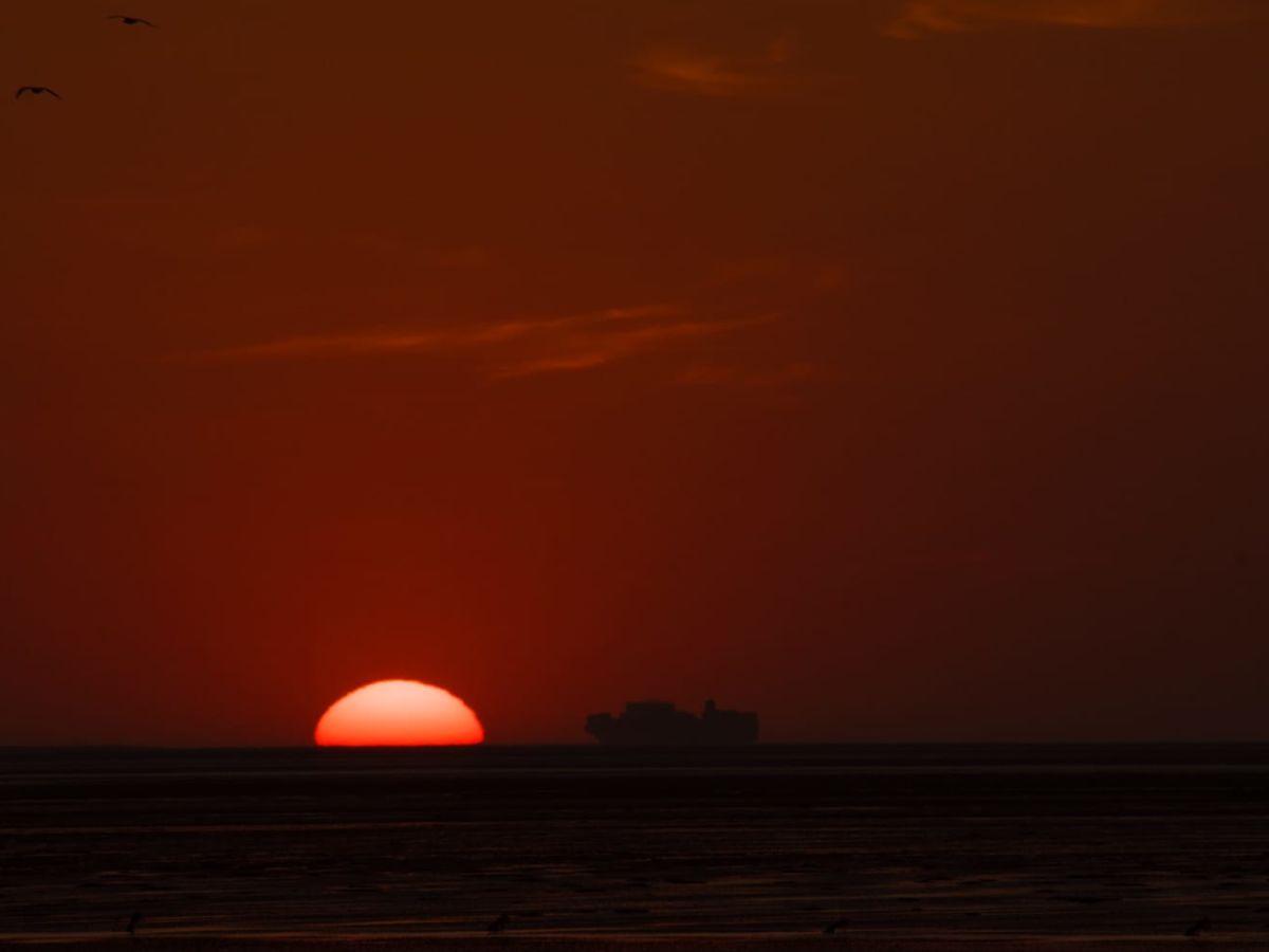 sonnenuntergang-vom-strand-aus