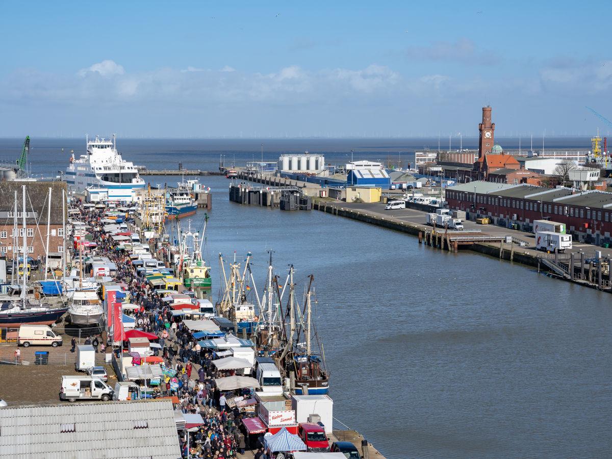 1_kutterhafen-von-cuxhaven